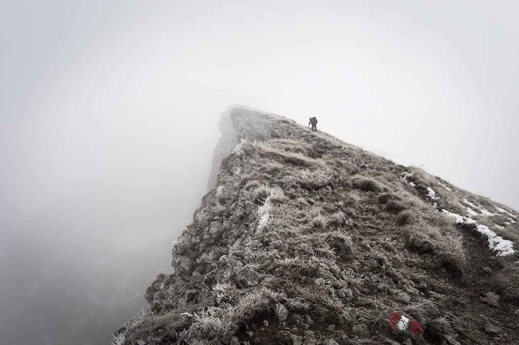 Fotografieren bei Nebel - Gipfel im Nebel [Foto: altglasfoto]