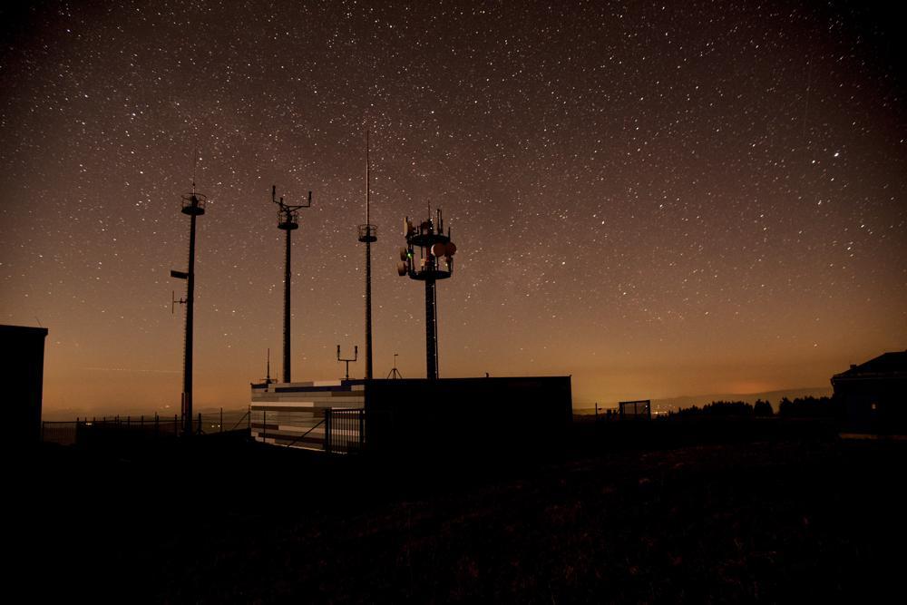 Funkstelle auf der Wasserkuppe - Nachthimmel fotografieren
