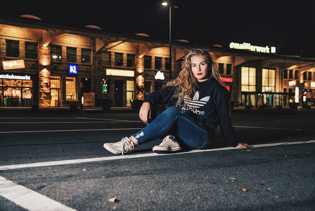 Aufsteckblitz - Streetphotography bei Nacht